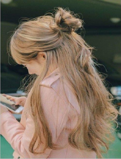 Kiểu tóc dài búi ngang lưng đẹp